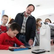 Završetak humanitarne akcije: Mati Braliću uručena vrijedna informatička oprema